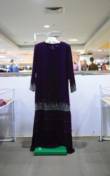 MANIS  JUBAH MANIK - PURPLE BLACK