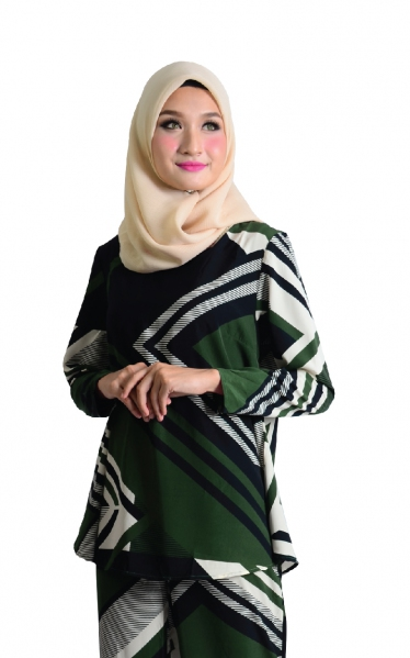 QUEENIE FLARE BLOUSE - GREEN