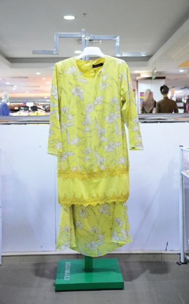 FEMINA BAJU KURUNG LACE - YELLOW