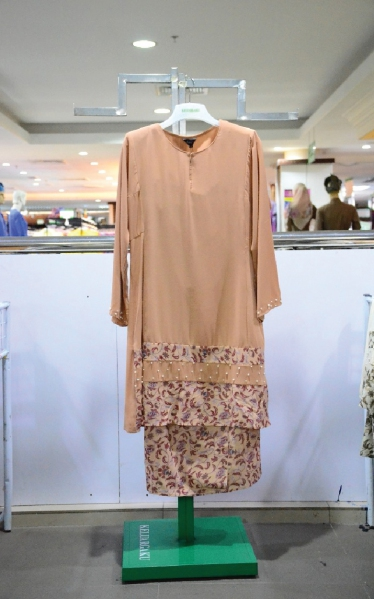 FEMINA BAJU KURUNG MANIK - LIGHT BROWN